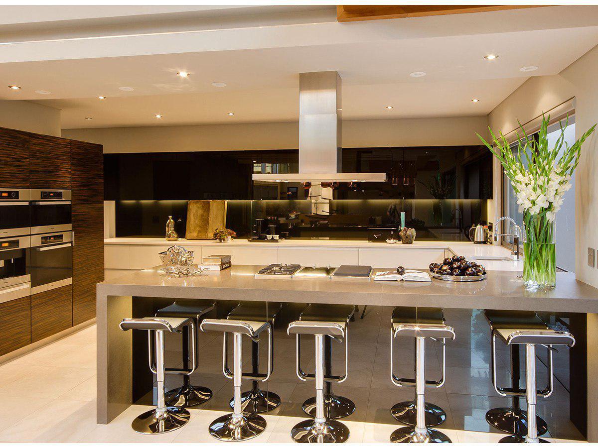 خرید هود آشپزخانه جزیره ای در ساختمان صنعت