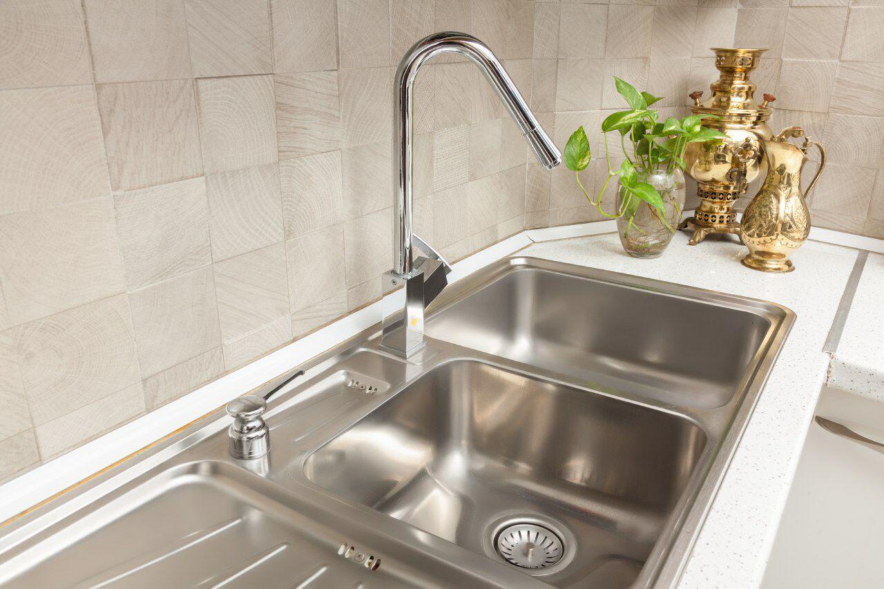 خرید سینک ظرفشویی روکار در ساختمان صنعت